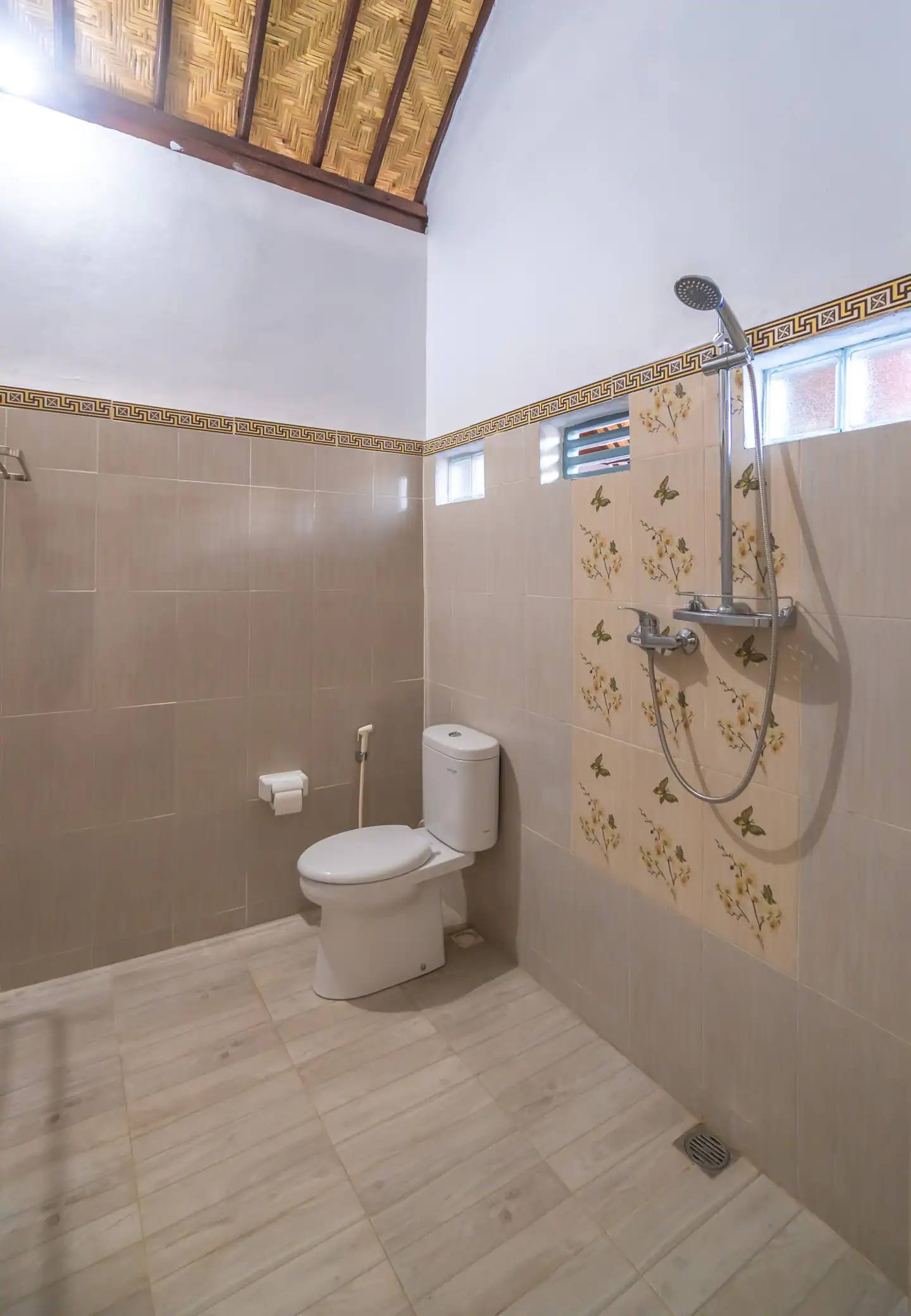 Merta Beach Bungalow Bathroom